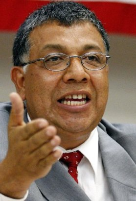 Democratic candidate for Congress Vinny Mendoza